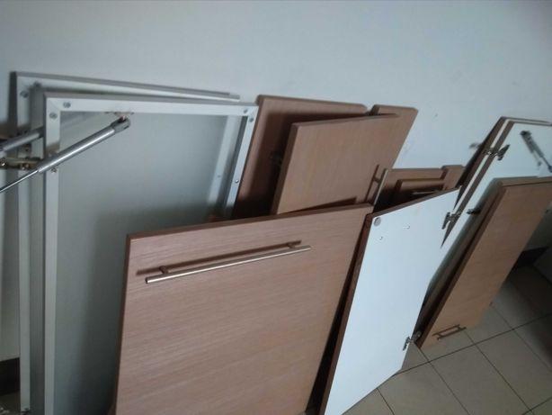 Fronty mebli kuchennych / demontaż