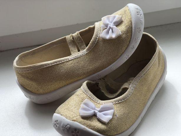 Туфельки/тапочки для сада для девочки