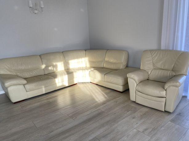 Narożnik skórzany z fotelem z elektrycznym relaksem