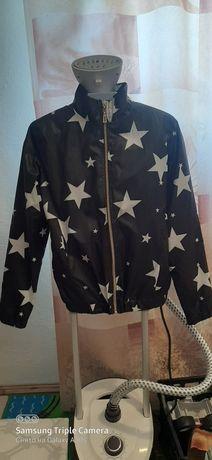 Жіноча куртка розмір S.В гарному стані 100 гривень Укрпоштою відправка