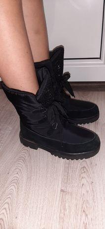 Зимові черевики. Розмір 34-21.6см. Ціна 320грн.
