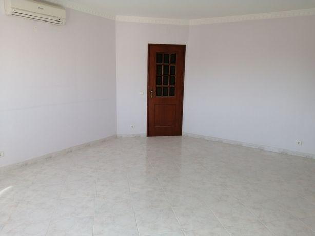 Apartamento T2 - Vale da Amoreira, Faro