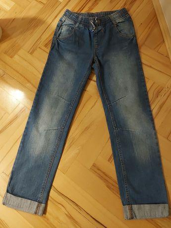 Sprzedam jeansy rozm 158