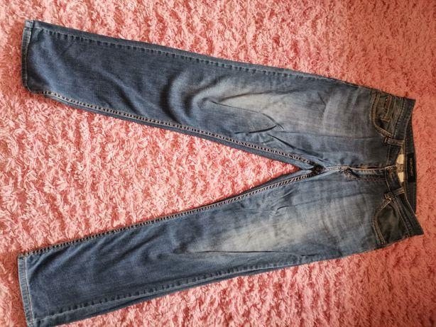 Чоловічі джинси і шорти джинсові