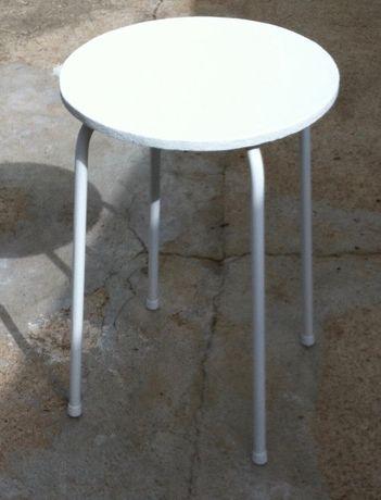 mesa de jardim pes de metal