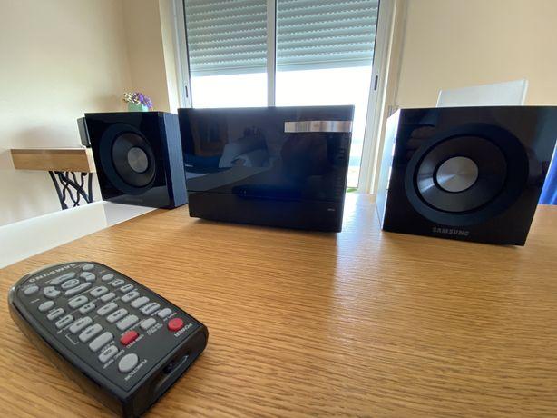 Sistema Home Audio Samsung MM-D320 como NOVO