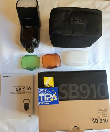 Продам вспышку Nikon SB 910 полный комплект