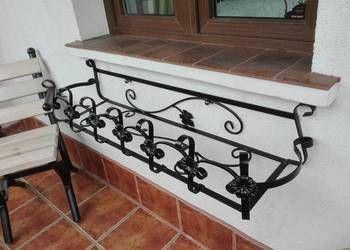 kwietnik kwiaty doniczki skrzynki balkonowe