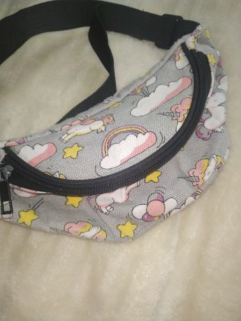 Миленькая сумка - бананка для девочки