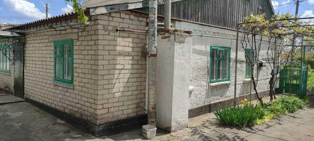 Продам будинок в центрі смт. Михайлівка