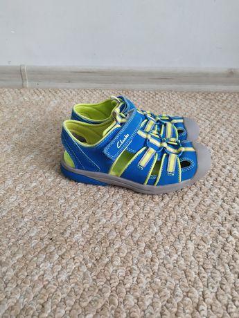 Закрытые сандалии/сандалии Clarks 30-31р на мальчика