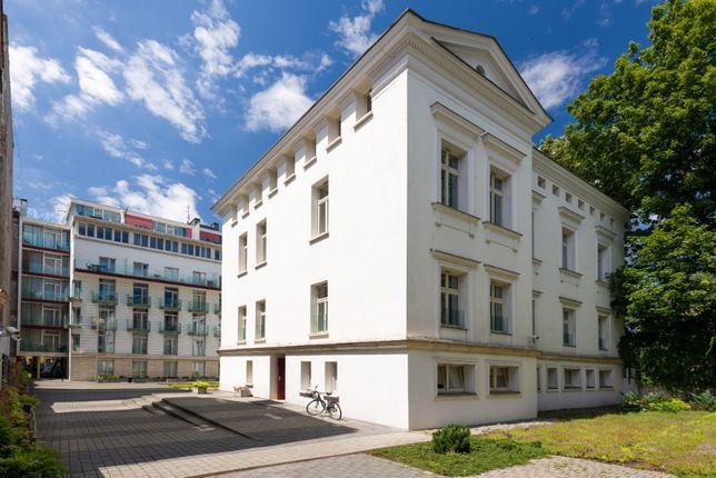 Biuro, 3 gabinety po 10-12m2, male zaplecze, top lokalizacja, klima