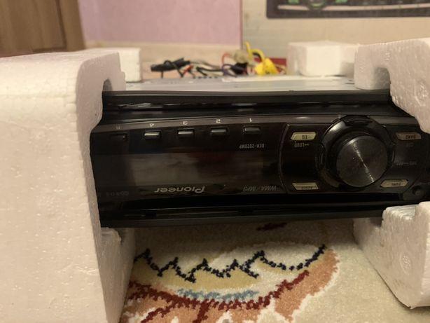 MP3 CD ресивер Pioneer в машину