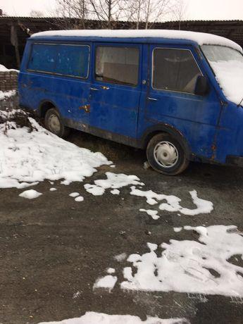 Автомобіль Раф