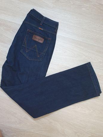 Nowe spodnie Wrangler Arizona Stretch W12O2655Z W34 L32