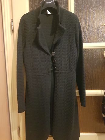 Czarne kardigan/cienki płaszcz