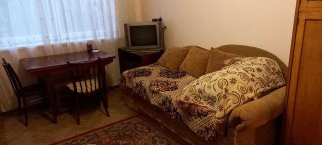 продаж 1- кімнатна , центр, вул. Кастелівка 50