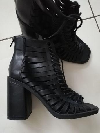 Asos sznurowane sandały z kwadratowymi noskami 38