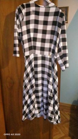 Sukienka w szachownice