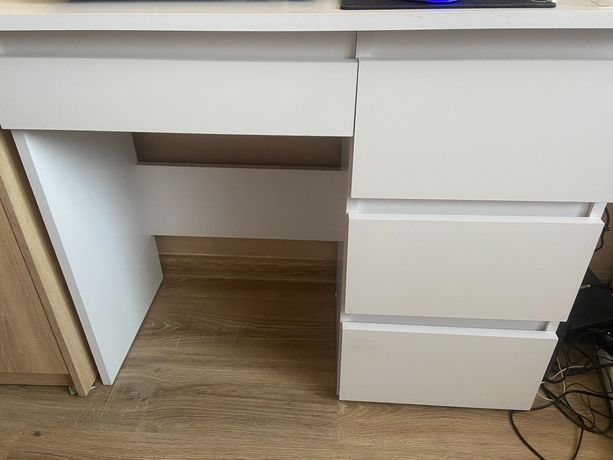 Biurko białe z szufladami