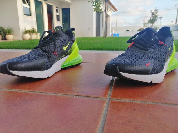 Sapatilhas Nike novas