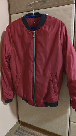 Весенняя куртка в отличном состоянии