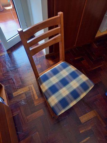 Cadeira de Madeira Cerejeira