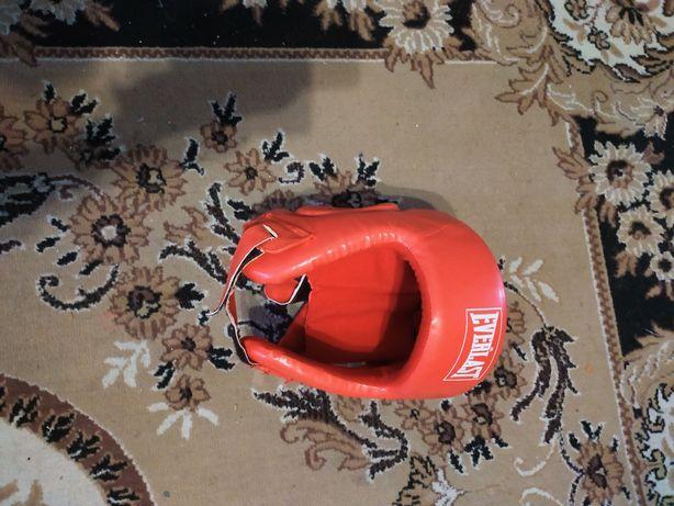 Боксёрский шлем красный