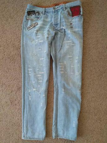 Крутые джинсы рваные