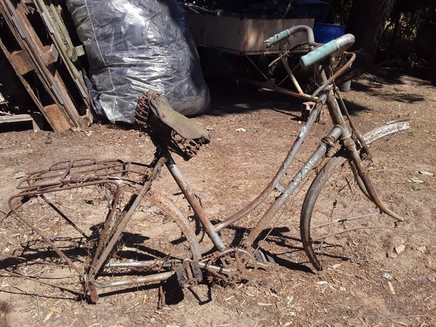 Bicicleta Antiga ye ye p/RESTAURO
