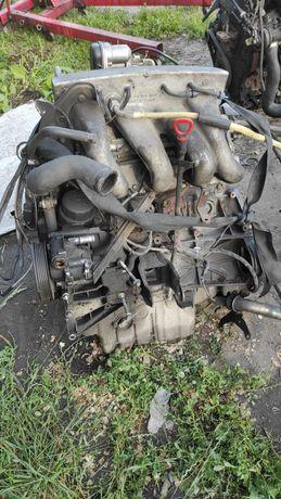 Двигатель в сборе 2.3 бензин 111 987 Вито Vito 638