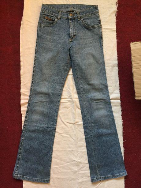 Spodnie Wrangler + Villa Clothes - damskie