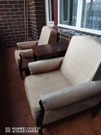 Продам два кресла Каштан в хорошем состоянии.