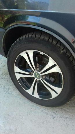 Легкосплавные диски ВАЗ с ризиной.