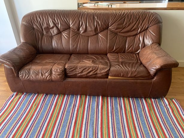 Sofa pele 3 lugares -Urgente