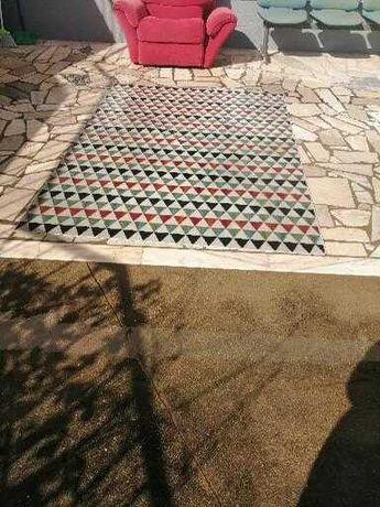 Vendo carpete tapete muito bonito