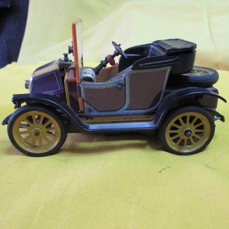 Renault em folha de metal 1230 da Schuco modelo 1911