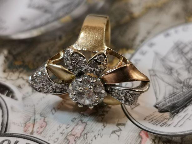 CIEKAWY złoty pierścionek, duży kwiat, złoto 585