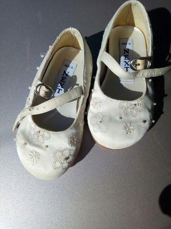 Празничные туфельки на годик