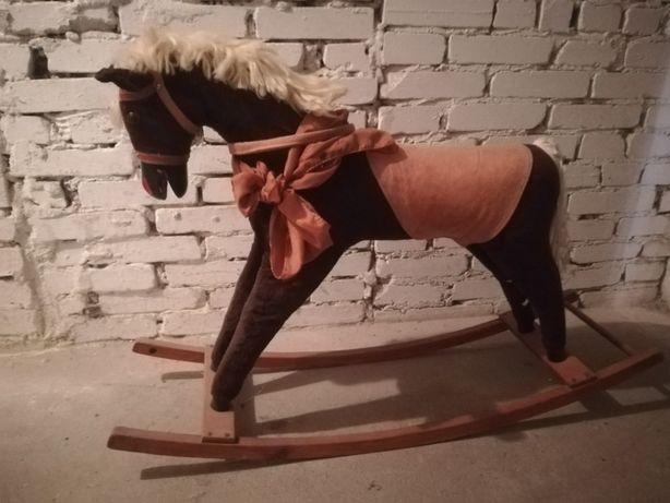 Koń na biegunach PRL