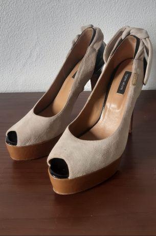 Sapatos Egídio Alves,  tamanho 39