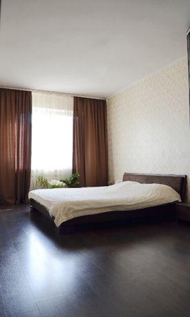 Продам 3к квартиру, видовой 14 этаж. Метро Осокорки. ул. Чавдар, 22