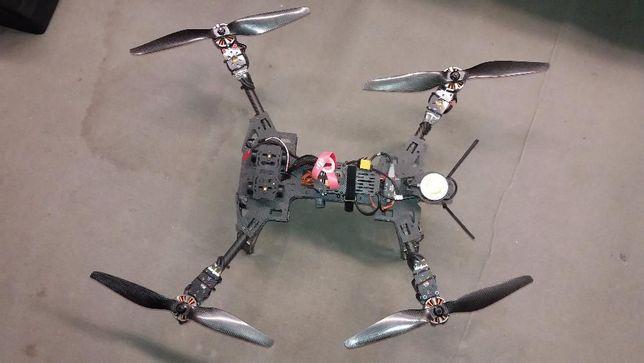 drone Dji 560 mm em carbono, com gimball da tarot e Naza V2