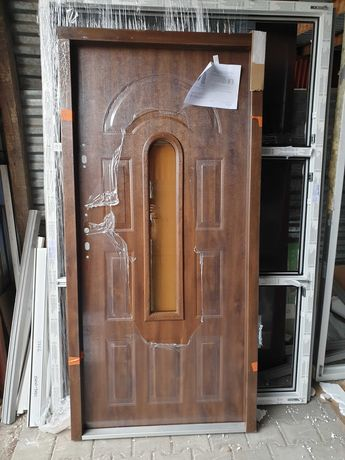 Drzwi stalowe 55mm pianka futryna stalowo-drewniana, orzech, nowe