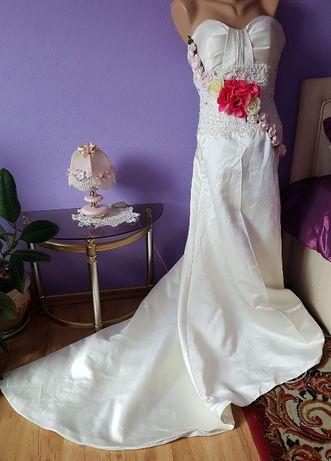 WYPRZEDAŻ! Sesja foto piękna suknia z trenem- roz. 38