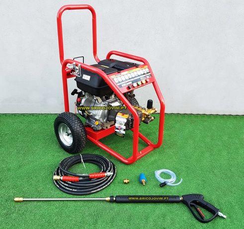 Máquina lavar pressão a gasolina - Motor 13Cv - 247bar - Profissional