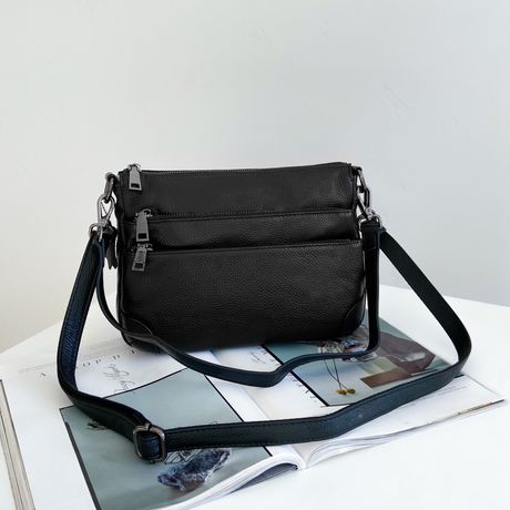 Женская двухсторонняя кожаная сумка через на плечо жіноча шкіряна чёр