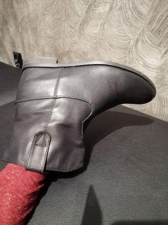 Buty Botki czarne nieocieplane rozm 38