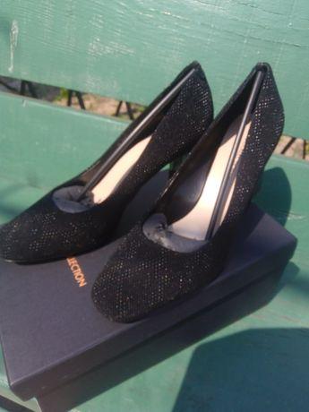 Продам туфли кожа TJ COLLECTION (оригинал) разм.38.5