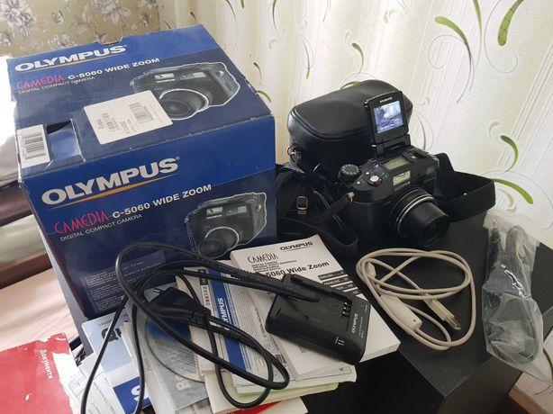 Фотоаппарат цифровой OLYMPUS Camedia C-5060 WIDE ZOOM полупрофесионал.
